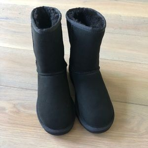 UGG ladies boots size 6 black